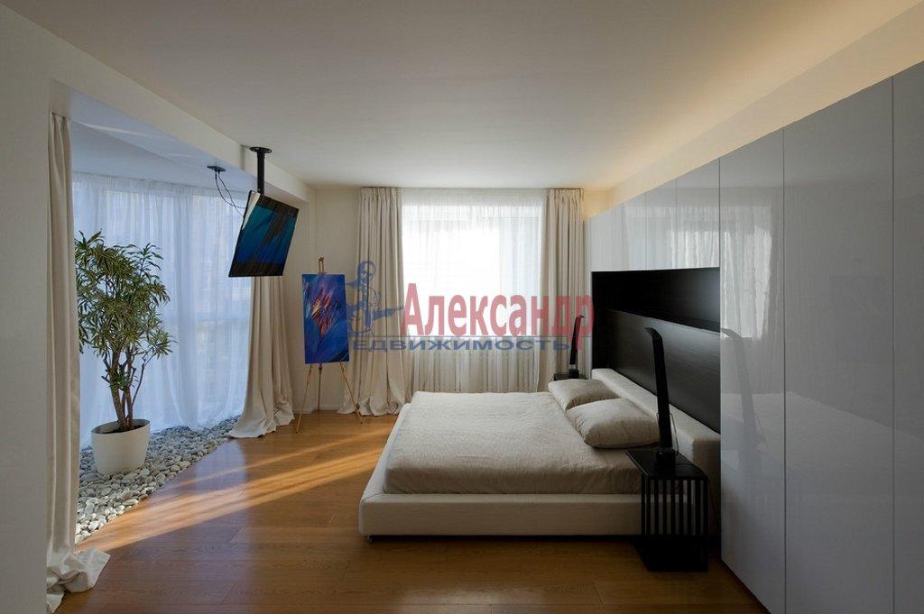 2-комнатная квартира (90м2) в аренду по адресу Парадная ул., 3— фото 1 из 4