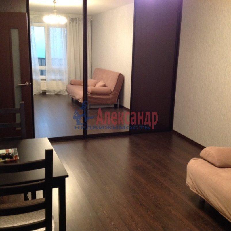 1-комнатная квартира (35м2) в аренду по адресу Бадаева ул., 14— фото 2 из 4