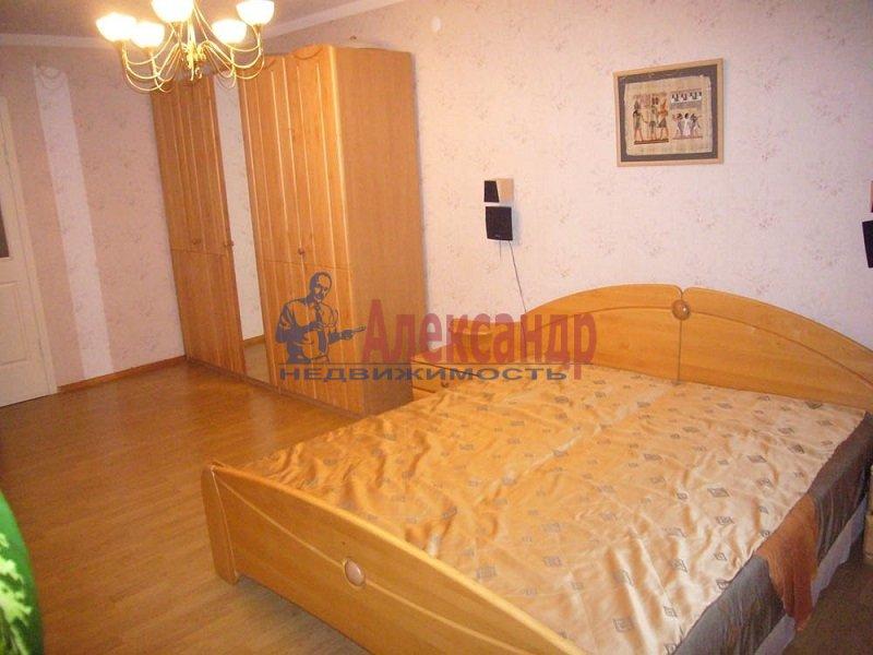 1-комнатная квартира (43м2) в аренду по адресу Сиреневый бул., 10— фото 1 из 4