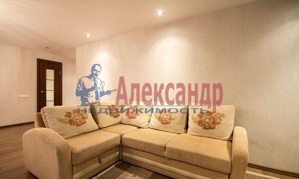 2-комнатная квартира (82м2) в аренду по адресу Счастливая ул., 14— фото 3 из 11