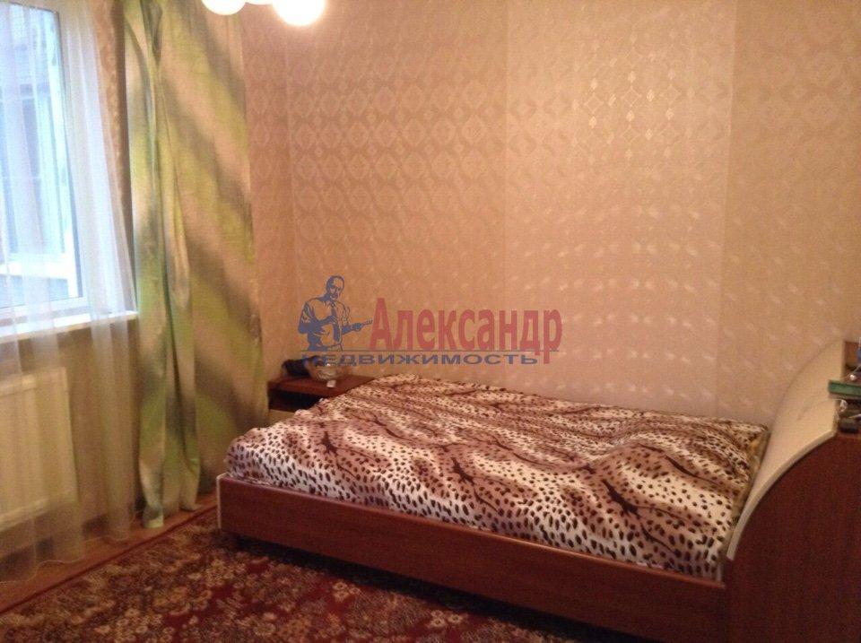 1-комнатная квартира (33м2) в аренду по адресу Оптиков ул., 52— фото 1 из 3