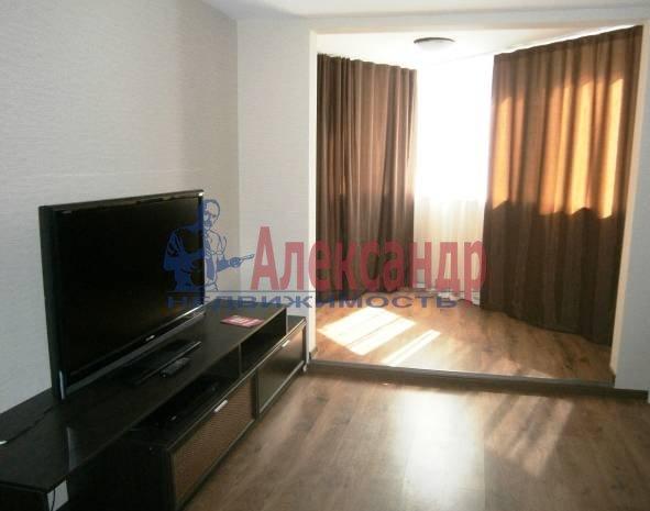 1-комнатная квартира (46м2) в аренду по адресу Бассейная ул., 89— фото 3 из 9