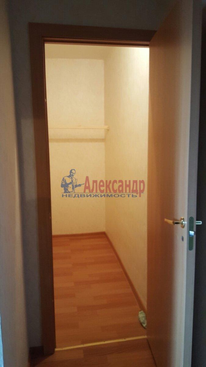 1-комнатная квартира (38м2) в аренду по адресу Парголово пос., Федора Абрамова ул., 23— фото 2 из 8