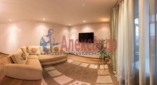 2-комнатная квартира (82м2) в аренду по адресу Счастливая ул., 14— фото 1 из 11