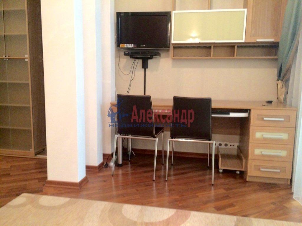 4-комнатная квартира (130м2) в аренду по адресу Бассейная ул., 10— фото 15 из 17