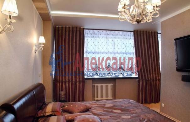 4-комнатная квартира (137м2) в аренду по адресу Пестеля ул., 7— фото 5 из 5