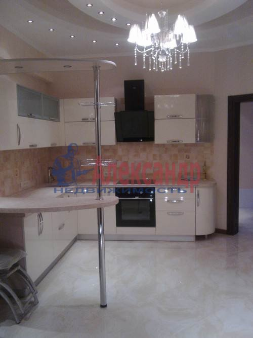3-комнатная квартира (100м2) в аренду по адресу Коломяжский пр., 15— фото 8 из 11