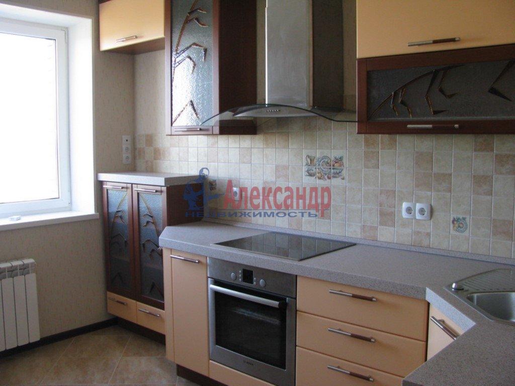 3-комнатная квартира (100м2) в аренду по адресу Бутлерова ул., 40— фото 1 из 1