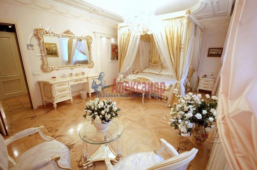 2-комнатная квартира (158м2) в аренду по адресу Реки Мойки наб., 27— фото 2 из 3
