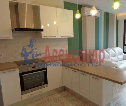 2-комнатная квартира (73м2) в аренду по адресу Исполкомская ул., 12— фото 1 из 13