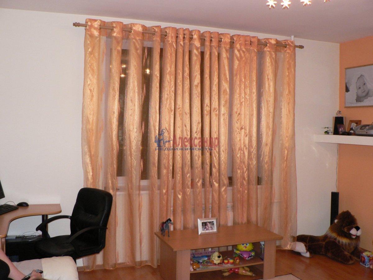 1-комнатная квартира (35м2) в аренду по адресу Тихорецкий пр., 12— фото 2 из 3
