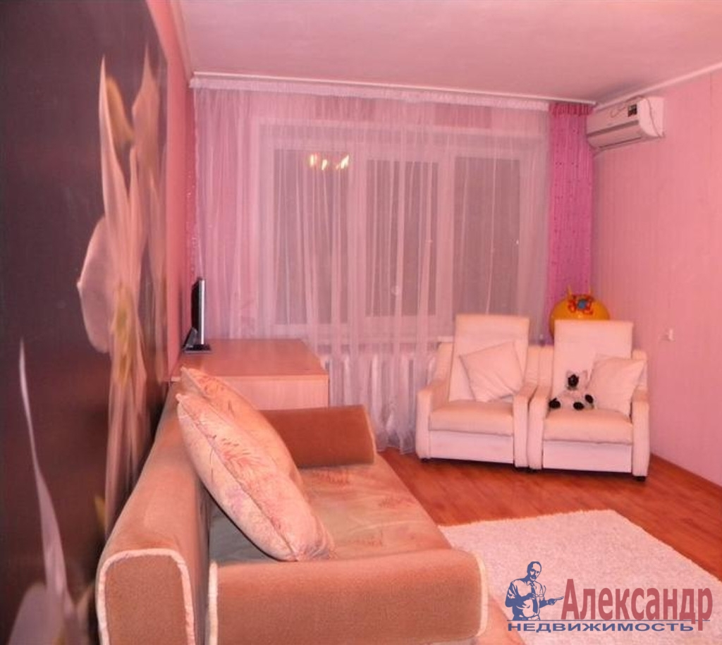 1-комнатная квартира (42м2) в аренду по адресу Ленинский пр., 55— фото 1 из 2