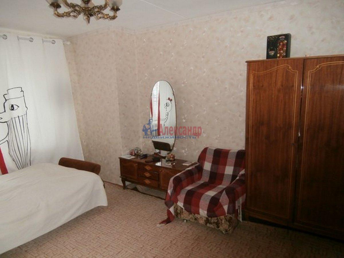 1-комнатная квартира (38м2) в аренду по адресу Звездная ул.— фото 2 из 4