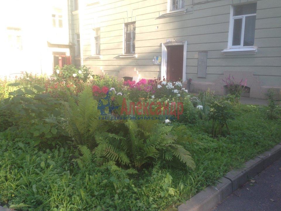 Комната в 4-комнатной квартире (150м2) в аренду по адресу Александра Ульянова ул., 10— фото 2 из 6