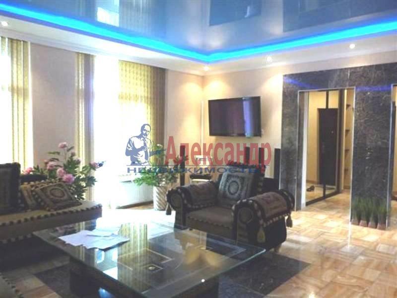 3-комнатная квартира (105м2) в аренду по адресу Петровская наб.— фото 2 из 4