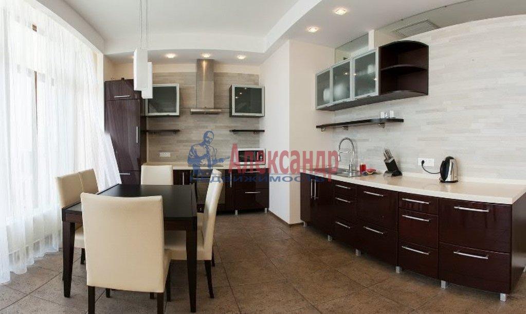 1-комнатная квартира (50м2) в аренду по адресу Московский просп., 73— фото 1 из 4