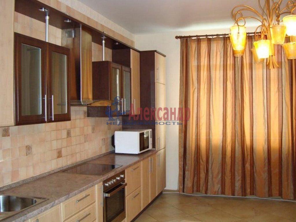2-комнатная квартира (75м2) в аренду по адресу Просвещения пр., 15— фото 3 из 4