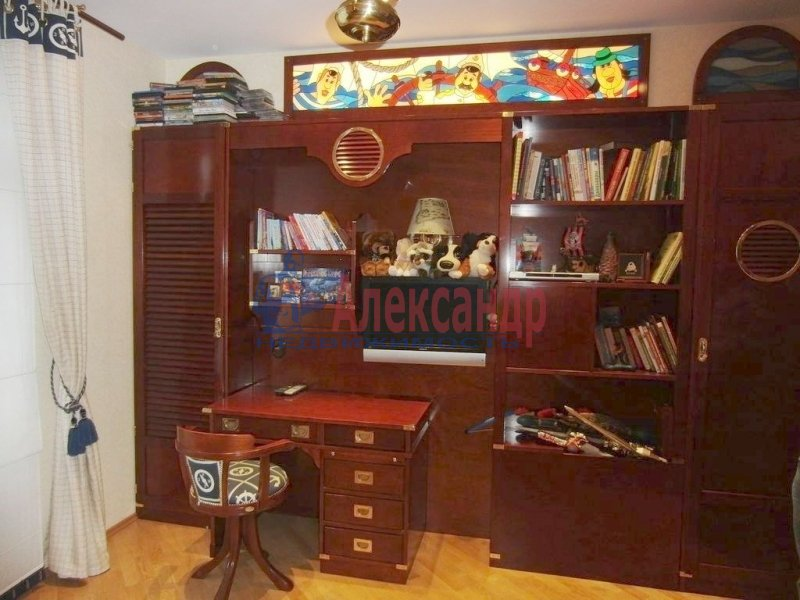 1-комнатная квартира (35м2) в аренду по адресу Литейный пр., 43— фото 2 из 3