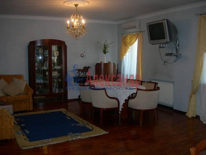 3-комнатная квартира (125м2) в аренду по адресу Маяковского ул., 14— фото 2 из 9