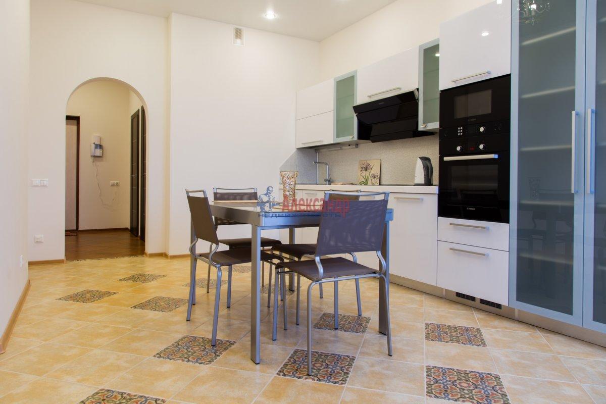 2-комнатная квартира (85м2) в аренду по адресу 26 линия В.О., 15— фото 3 из 16