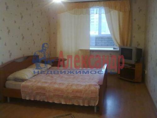 Комната в 2-комнатной квартире (62м2) в аренду по адресу Верности ул., 7— фото 1 из 1
