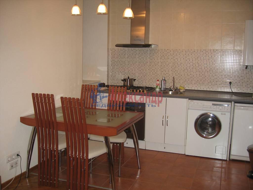 2-комнатная квартира (40м2) в аренду по адресу Малая Посадская ул.— фото 1 из 3