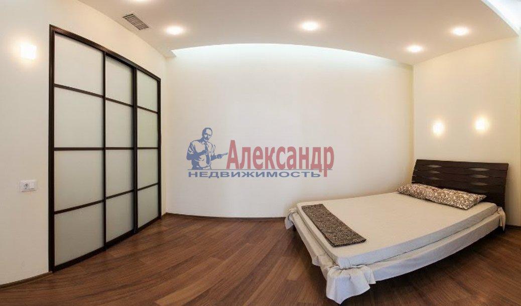 1-комнатная квартира (50м2) в аренду по адресу Московский просп., 73— фото 2 из 4