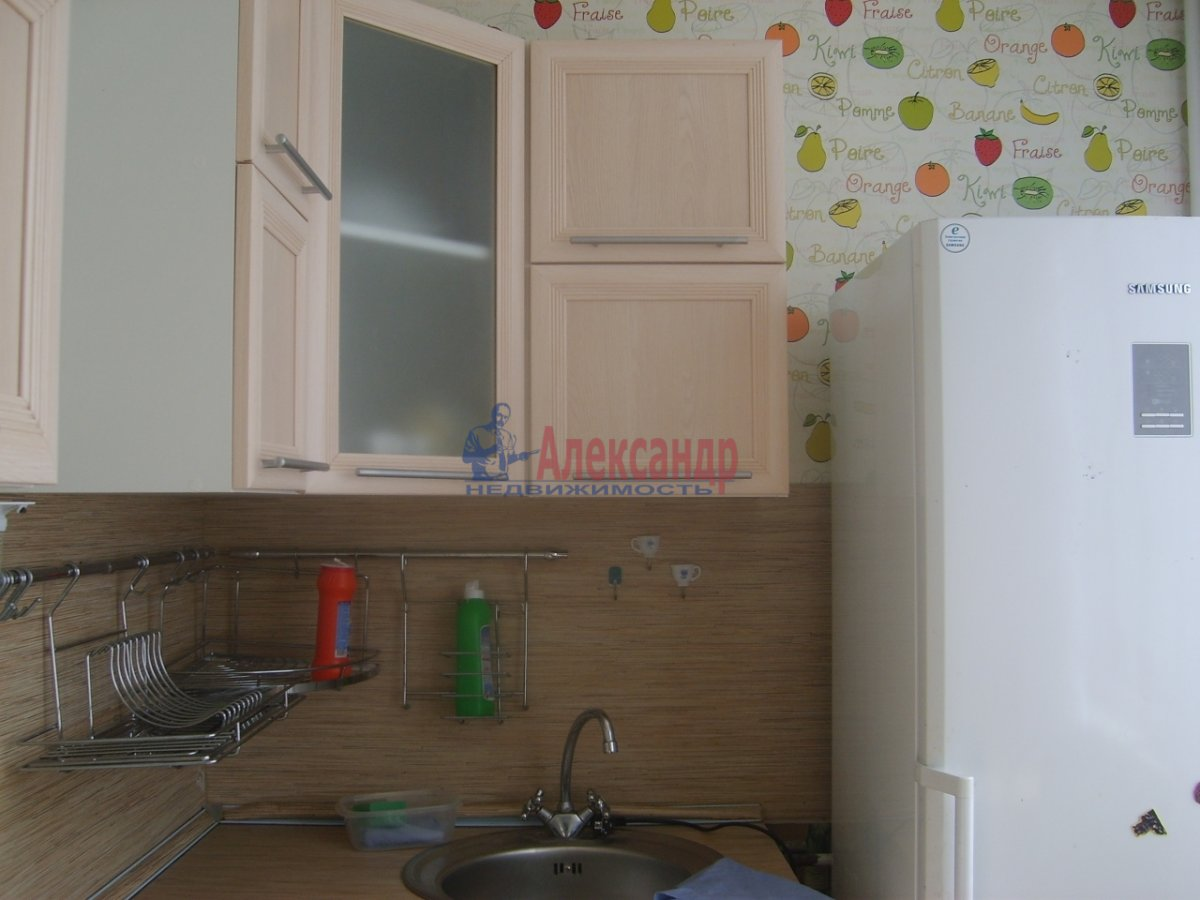 1-комнатная квартира (36м2) в аренду по адресу Дунайский пр., 26— фото 1 из 3