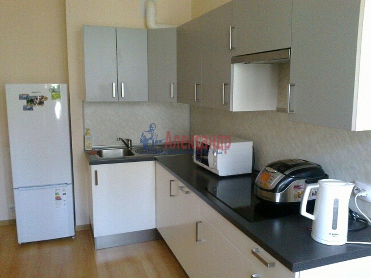 1-комнатная квартира (43м2) в аренду по адресу Композиторов ул., 12— фото 3 из 4