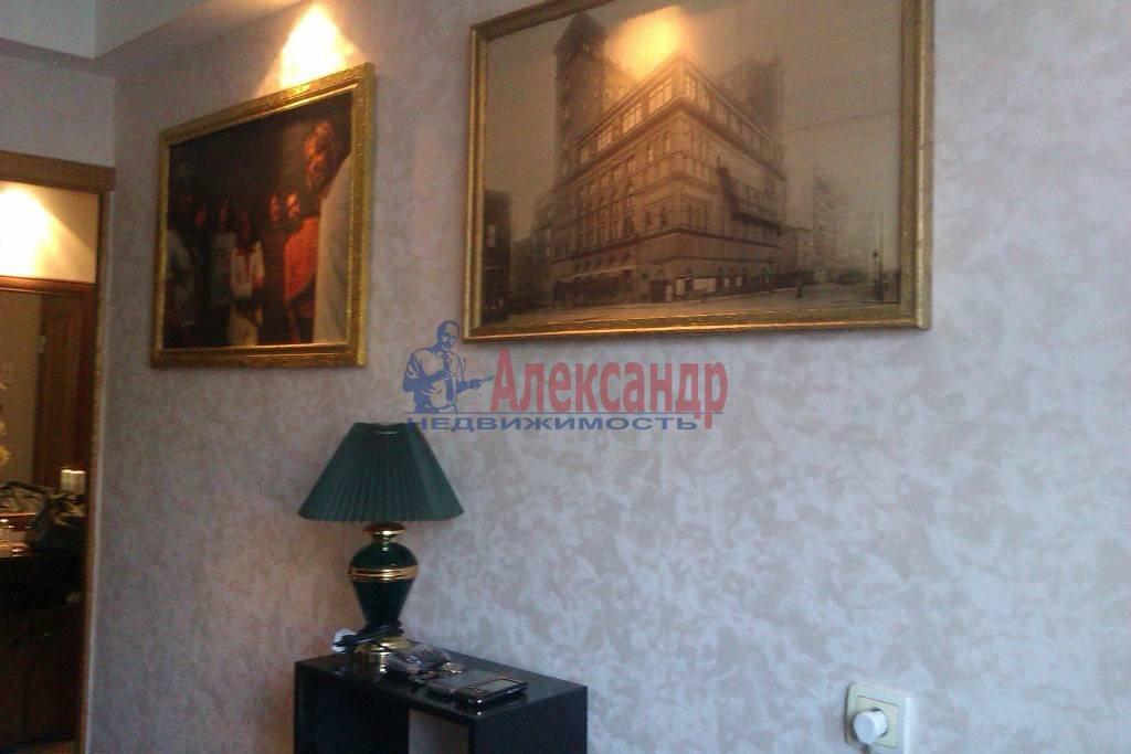 3-комнатная квартира (65м2) в аренду по адресу Большевиков пр., 9— фото 6 из 10