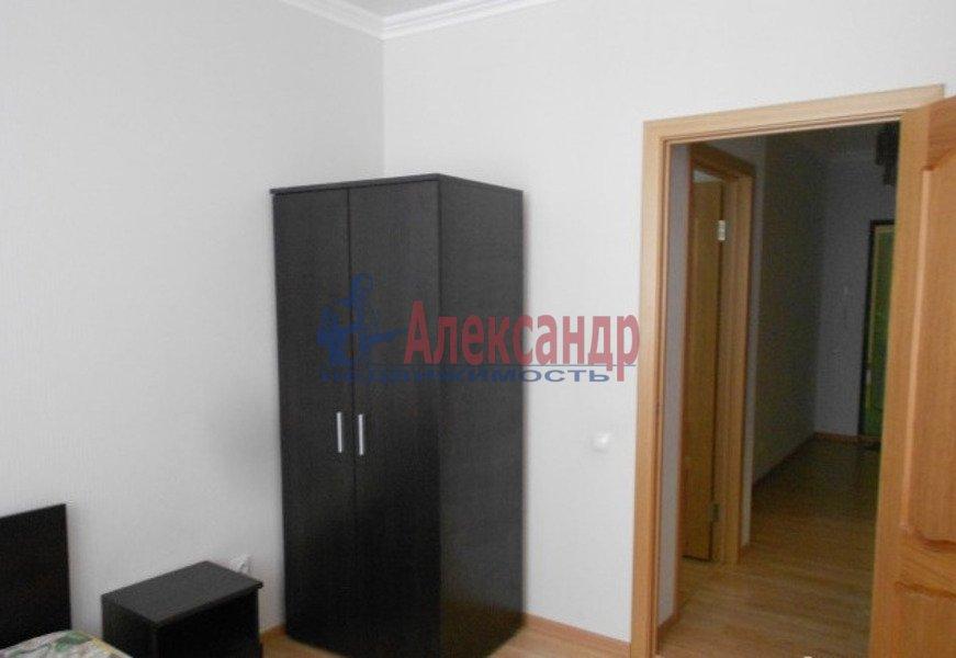 2-комнатная квартира (65м2) в аренду по адресу Есенина ул., 1— фото 6 из 7