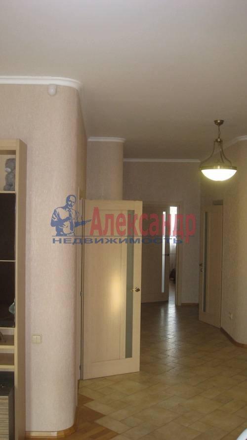 2-комнатная квартира (70м2) в аренду по адресу Мытнинская ул., 2— фото 7 из 12