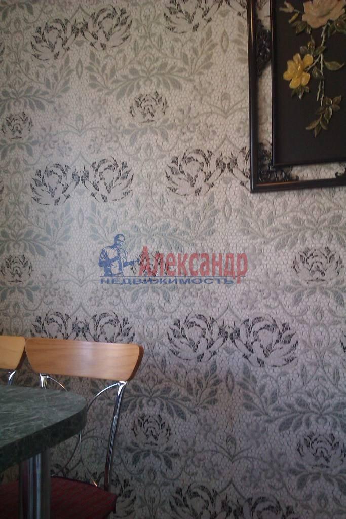 3-комнатная квартира (65м2) в аренду по адресу Большевиков пр., 9— фото 8 из 10