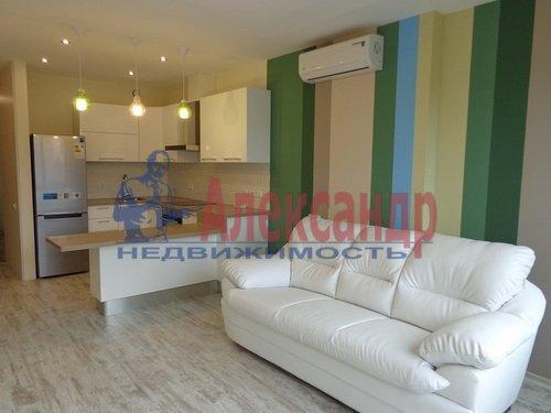 2-комнатная квартира (73м2) в аренду по адресу Исполкомская ул., 12— фото 2 из 13