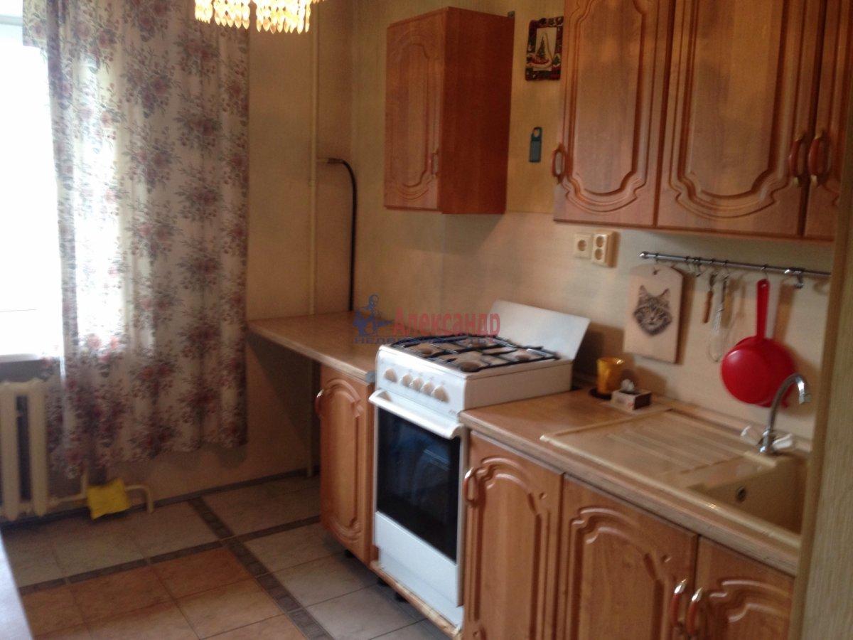 3-комнатная квартира (72м2) в аренду по адресу Долгоозерная ул., 5— фото 11 из 14
