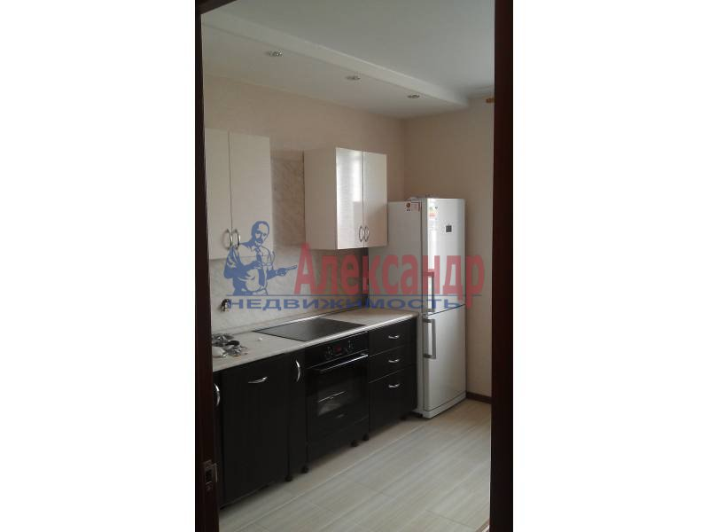 2-комнатная квартира (63м2) в аренду по адресу Белы Куна ул., 1— фото 3 из 9