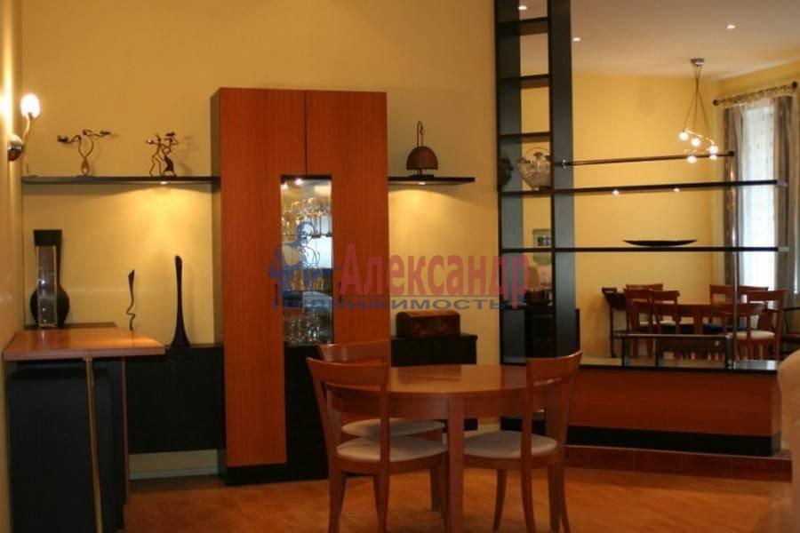 4-комнатная квартира (80м2) в аренду по адресу Полтавская ул., 8— фото 2 из 14