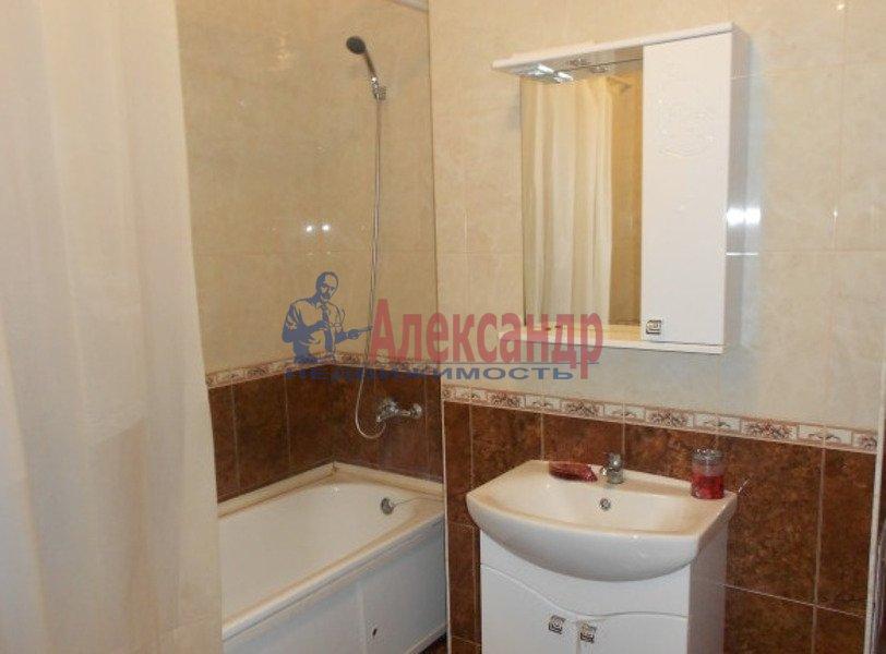 2-комнатная квартира (65м2) в аренду по адресу Есенина ул., 1— фото 7 из 7