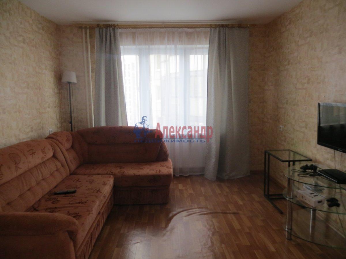 2-комнатная квартира (70м2) в аренду по адресу Кузнецова пр., 10— фото 2 из 9