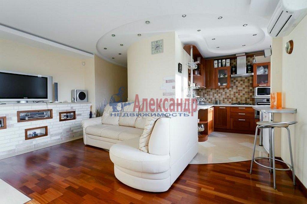 2-комнатная квартира (90м2) в аренду по адресу Парадная ул., 3— фото 3 из 4