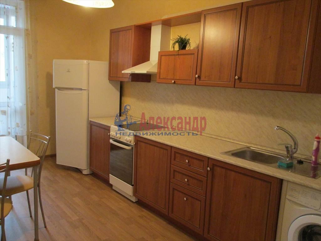 1-комнатная квартира (41м2) в аренду по адресу Бутлерова ул., 11— фото 1 из 6