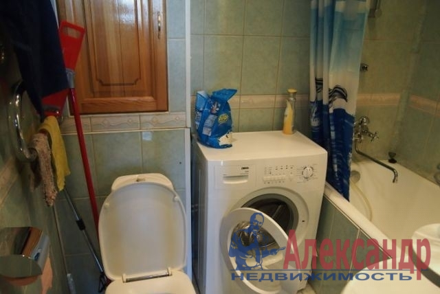 1-комнатная квартира (32м2) в аренду по адресу Московский просп., 224— фото 3 из 3