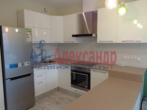 2-комнатная квартира (73м2) в аренду по адресу Исполкомская ул., 12— фото 3 из 13