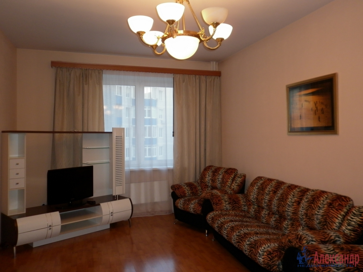 2-комнатная квартира (80м2) в аренду по адресу Асафьева ул., 5— фото 4 из 11