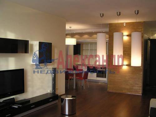 3-комнатная квартира (100м2) в аренду по адресу Веденеева ул., 8— фото 1 из 11