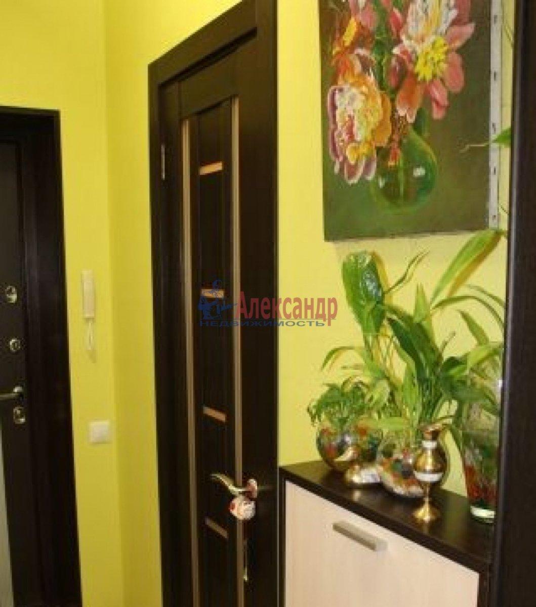 1-комнатная квартира (28м2) в аренду по адресу Мурино пос., Привокзальная пл., 5— фото 3 из 4
