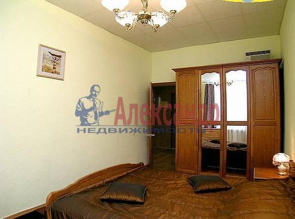 2-комнатная квартира (60м2) в аренду по адресу Юрия Гагарина просп., 27— фото 2 из 3
