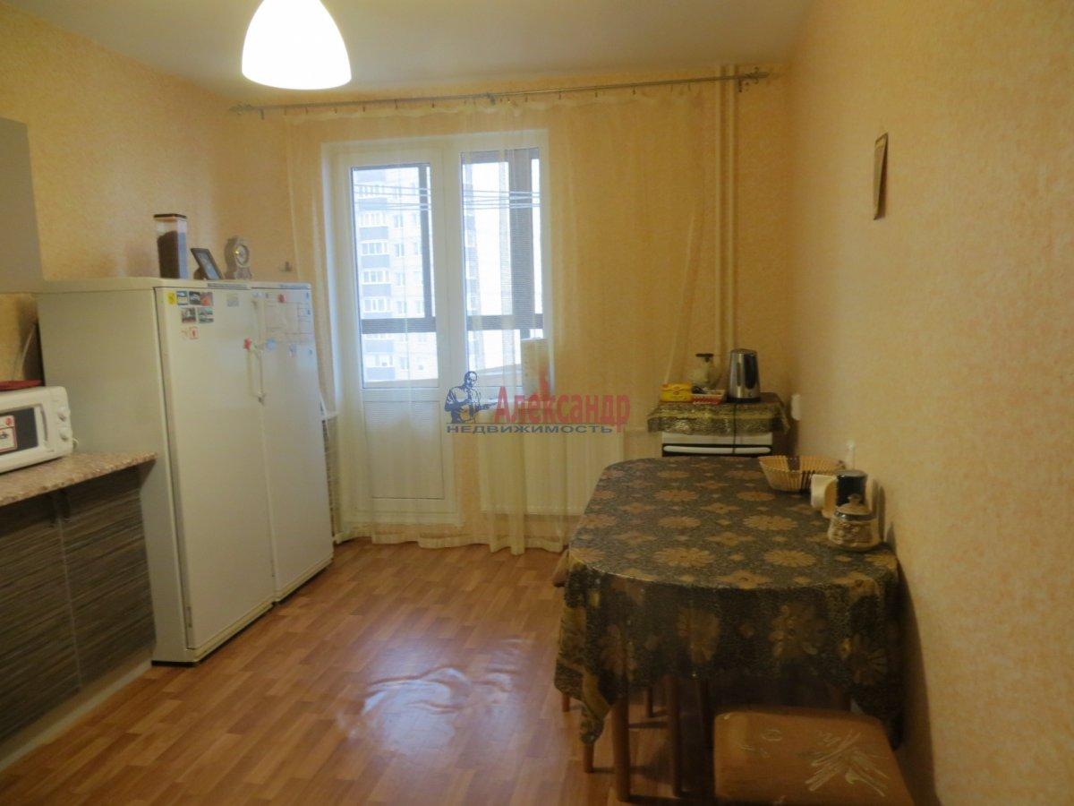 1-комнатная квартира (40м2) в аренду по адресу Ленинский пр., 166— фото 2 из 3