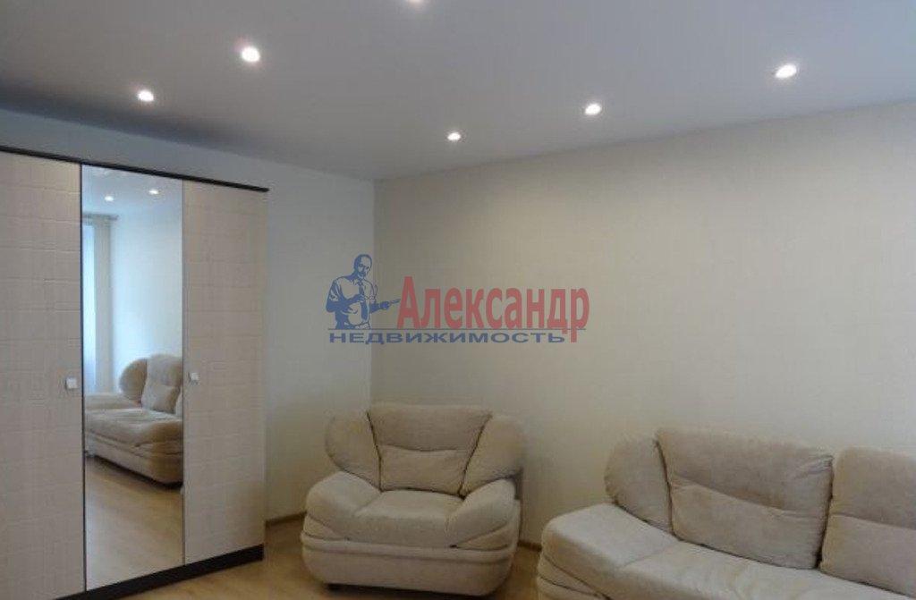 2-комнатная квартира (50м2) в аренду по адресу Яхтенная ул., 1— фото 1 из 4
