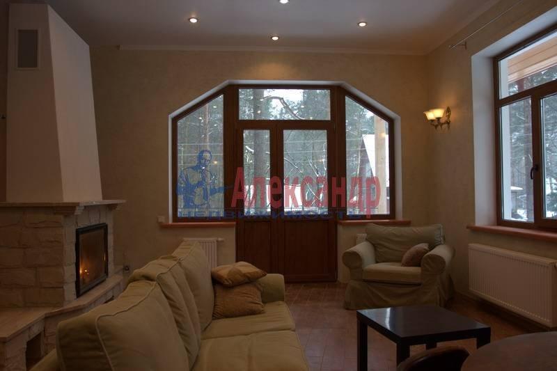 Дом (110м2) в аренду — фото 1 из 7